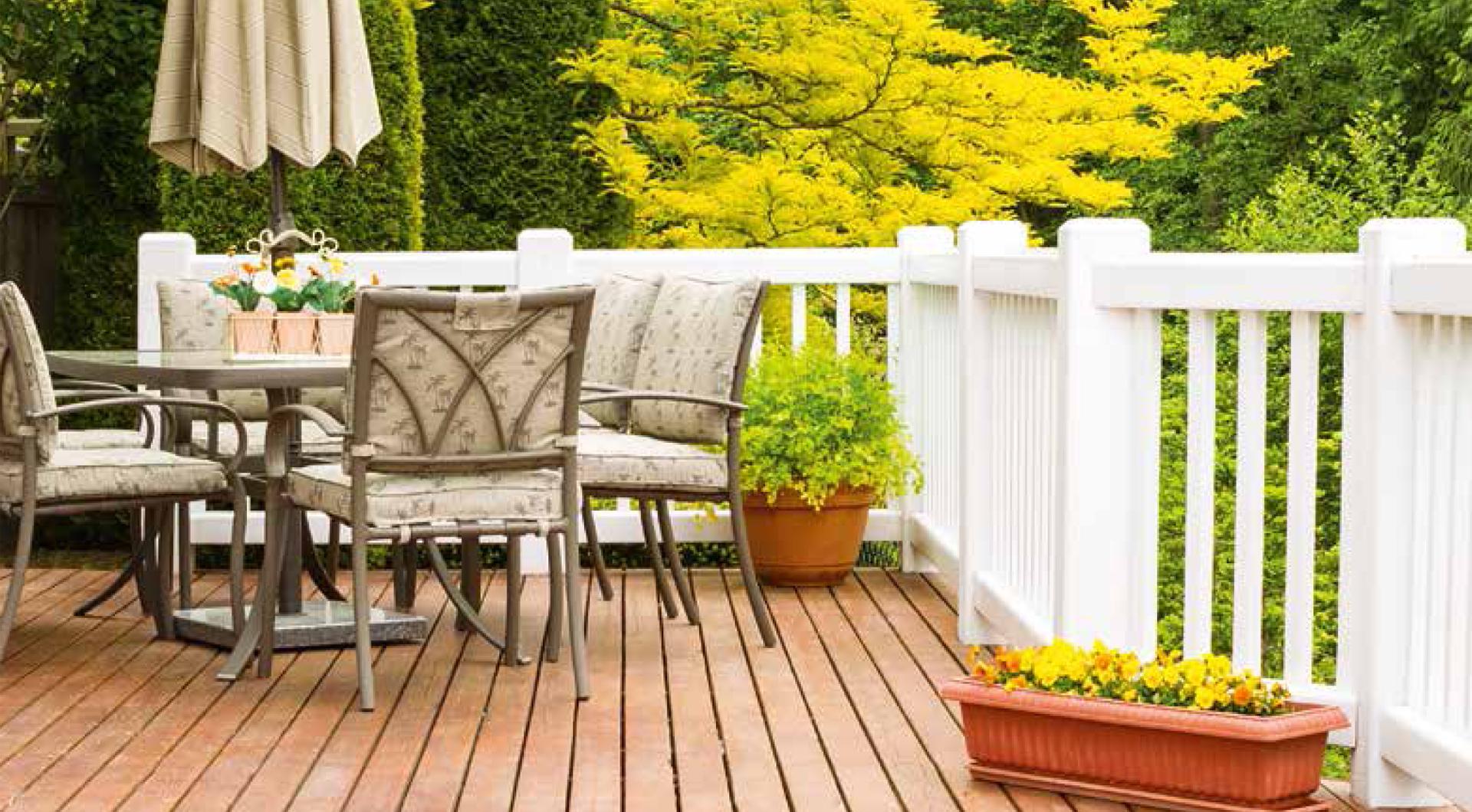 Sichtschutzzäune in den unterschiedlichsten Design-Varianten bei Holz Roeren