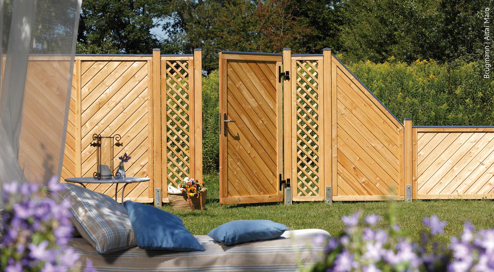 Sichtschutz Zaun Aus Holz Bauen Holz Roeren In Krefeld Hilft